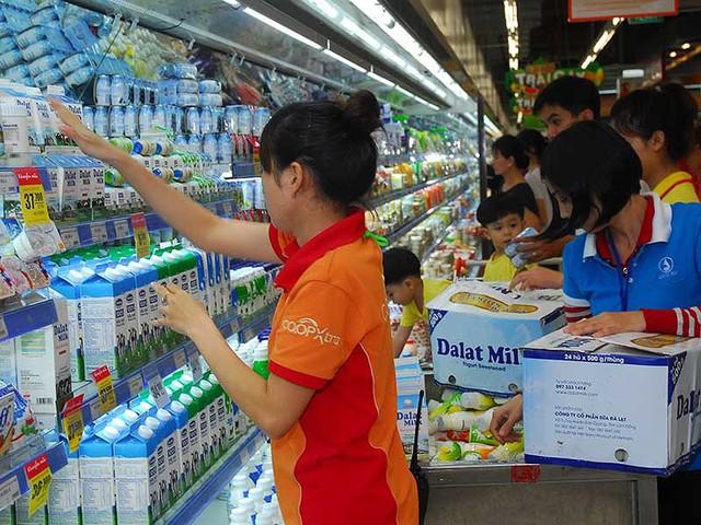 Các DN nhỏ, ít vốn không thể chen chân được vào siêu thị cạnh tranh với các DN lớn. Ảnh: HTD