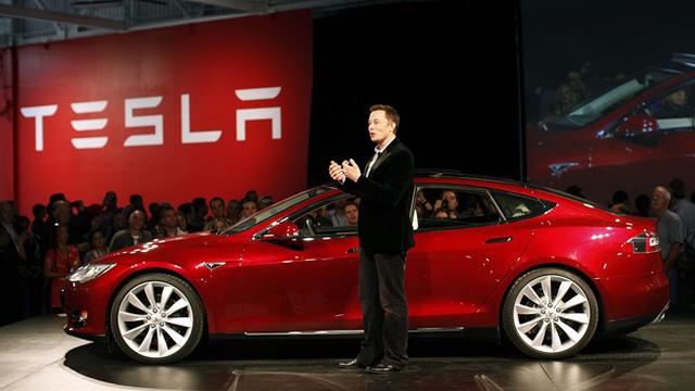 Elon Musk muốn tham gia diễn đàn của Donald Trump để cải thiện các chính sách. Ảnh: Ecozine.