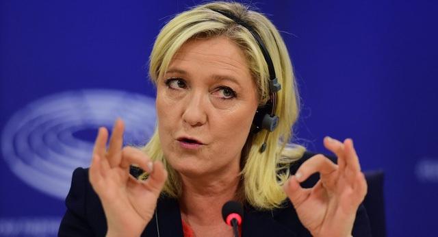 Bà Marine Le Pen được đánh giá có những quan điểm về kinh tế khá giống với Tổng thống Mỹ Donald Trump (Ảnh: sputniknews)