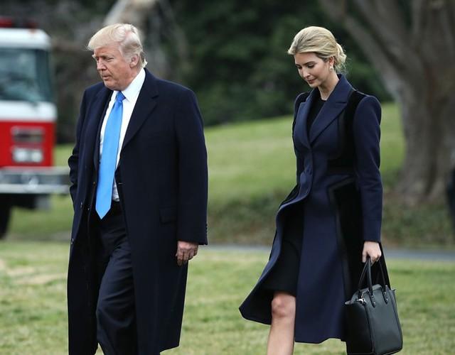 Ông Trump và cô con gái luôn được truyền thông yêu quý, Ivanka Trump. Ảnh: Getty.