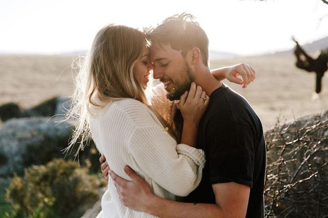 Lúc mới yêu ai cũng tràn đầy hi vọng và hạnh phúc