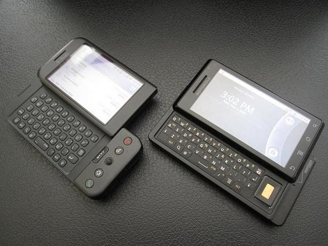 Cho đến tận 2010, những chiếc điện thoại duy nhất có thể le lói đe dọa tới iPhone vẫn chưa dám từ bỏ bàn phím.