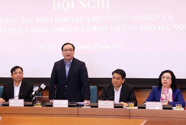 Bí thư Thành ủy Hà Nội Hoàng Trung Hải cho biết thành phố đã đề xuất xây dựng chợ đầu mối 250 triệu USD. Ảnh: CTV.