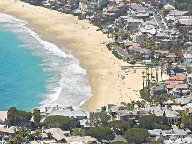 Khu biệt thự của tỷ phú Buffett nằm trong một khu nhà giàu ven biển ở Laguna Beach, Orange County, California.