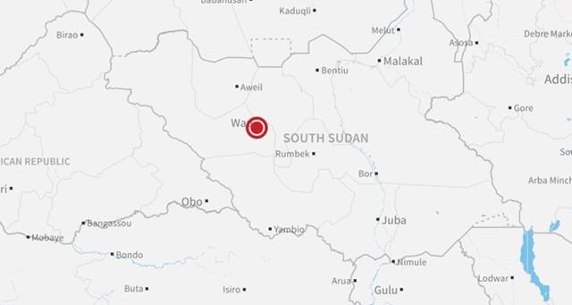 Hiện trường vụ rơi máy bay ở thị trấn Wau, Nam Sudan. Ảnh: CNN.