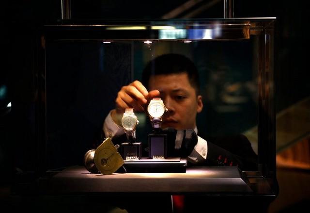 Đồng hồ Mont Blanc được bày bán ở Bắc Kinh. (Nguồn: Reuters)