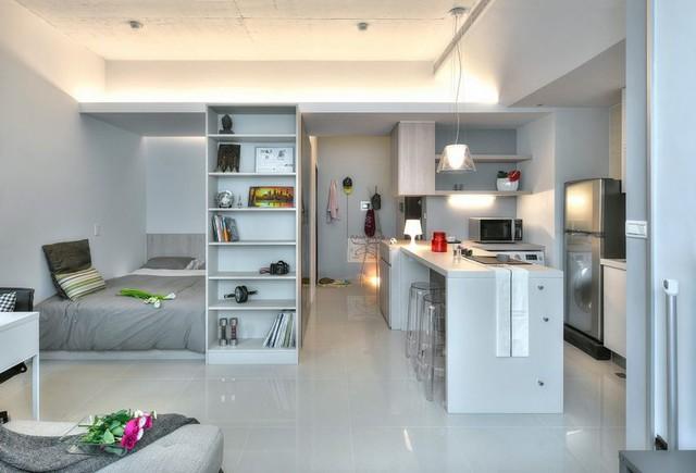 Chỉ vẻn vẹn 32m2 nhưng căn hộ này trông rất thoáng mắt với cách bài trí đơn giản, thoáng đãng.