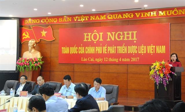 Bộ trưởng Y tế Nguyễn Thị Kim Tiến trình bày về hiện trạng dược liệu