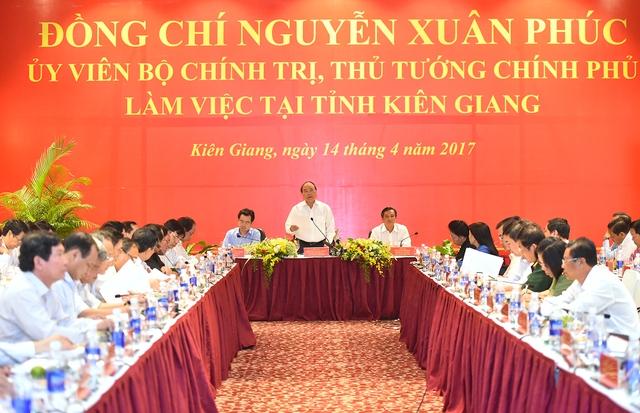 Thủ tướng phát biểu tại cuộc làm việc với lãnh đạo tỉnh Kiên Giang. Ảnh: VGP/Quang Hiếu Tầm nhìn cho Kiên Giang