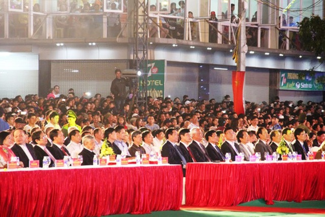 Rất nhiều lãnh đạo Đảng, Nhà nước và các bộ, ngành Trung ương về dự lễ công bố thành lập TP Sầm Sơn và khai trương hè du lịch Sầm Sơn năm 2017