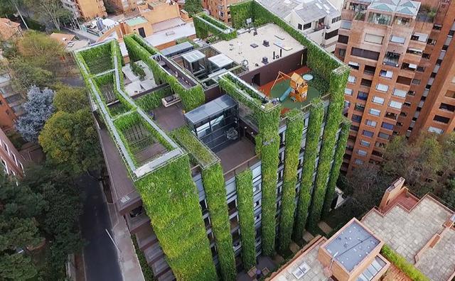 Tòa nhà xanh Edificio Santalaia là một trong những khu vườn đô thị tuyệt vời nhất được tạo ra dưới bàn tay con người.