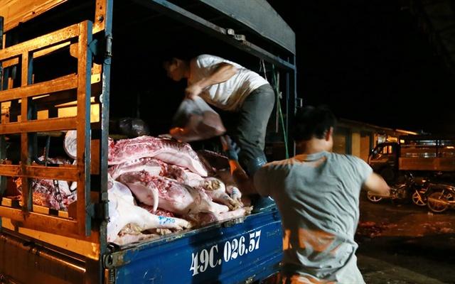 Giá thịt heo tới tay người tiêu dùng vẫn cao ngất ngưởng