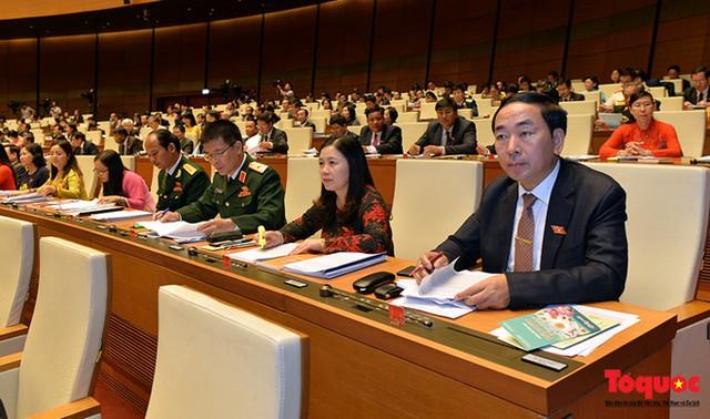 Các Đại biểu Quốc hội tại hội trường. Ảnh: Nam Nguyễn