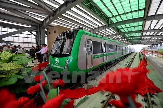Ray và tà vẹt của dự án đường sắt đô thị Cát Linh-Hà Đông đều được nhập từ Trung Quốc. (Ảnh: Minh Sơn/Vietnam+)