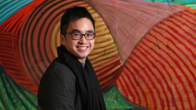 Adrian đã tốt nghiệp đại học Harvard.