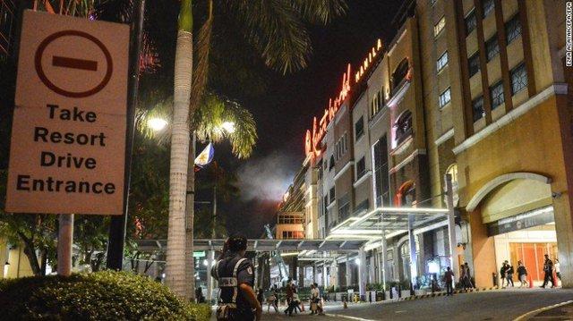 Hiện trường là tổ hợp nghỉ dưỡng gồm trung tâm thương mại, sòng bạc và khách sạn. (Ảnh: CNN)
