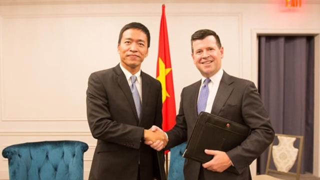 Lãnh đạo VNG và Phó chủ tịch sàn Nasdaq ký thoả thuận hợp tác