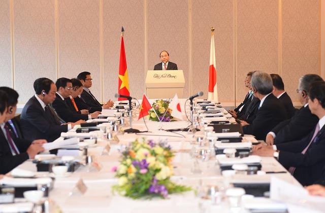 Thủ tướng trao đổi cởi mở, giải đáp nhiều vấn đề mà các doanh nghiệp Nhật Bản quan tâm. Ảnh: VGP/Quang Hiếu