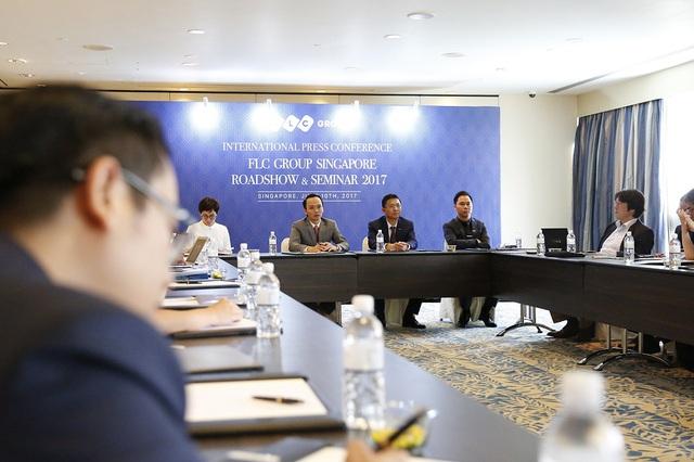 Với thời lượng chương trình có hạn, ban lãnh đạo FLC đã tiếp tục cung cấp các thông tin bên lề roadshow trong buổi họp báo, với sự tham gia của nhiều cơ quan báo chí, hãng tin quốc tế như Reuters, Bloomberg, Nikkei Asia Reviews, The Financial Times, The Edge Property Singapore…Chương trình họp báo quốc tế với sự tham gia của các hãng thông tấn báo chí đến từ Mỹ, Anh, Nhật Bản, Singapore, Việt Nam…