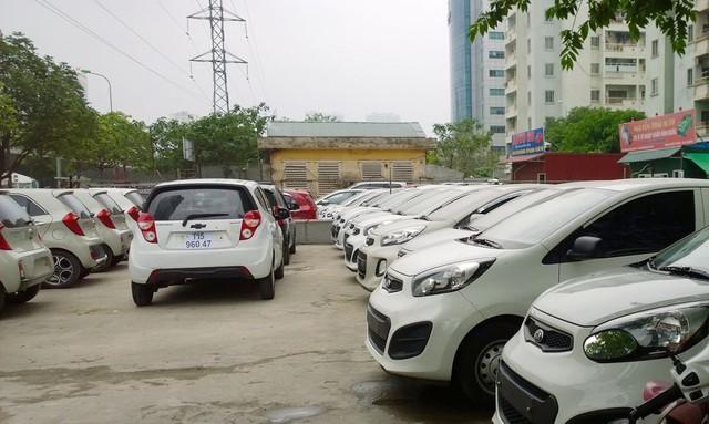 Nhiều cửa hàng kinh doanh xe van lâm vào cảnh thua lỗ