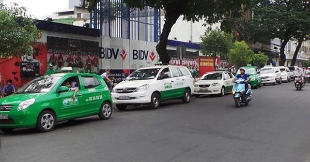 Cuộc cạnh tranh giữa taxi truyền thống với taxi công nghệ ngày càng quyết liệt/ Ảnh minh họa