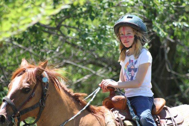 Về quê học cưỡi ngựa là trại hè rất thịnh hành ở New York.