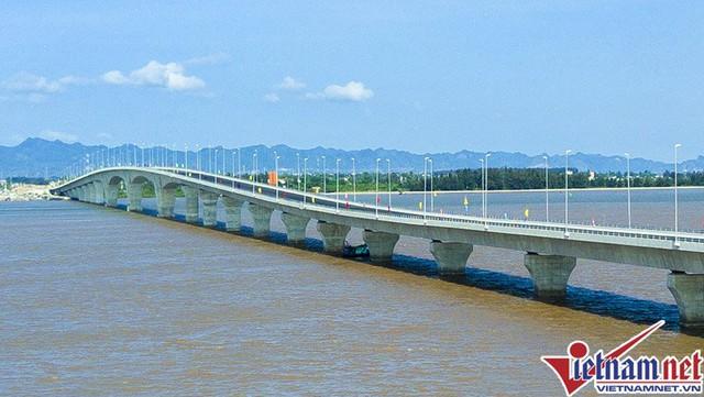 Cầu Tân Vũ - Lạch Huyện là cây cầu vượt biển dài nhất VN