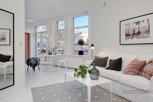 Dù chỉ là một căn hộ nhỏ với diện tích vỏn vẹn 50m2 nhưng không gian bên trong lại được thiết kế vô cùng tiện nghi, hiện đại.