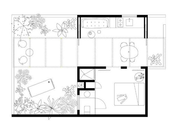 Trên diện tích 30m2 không gian được chia làm 2 khu vực, một nửa để làm sân vườn và nửa diện tích còn lại làm nơi sinh hoạt cho cặp vợ chồng trẻ .