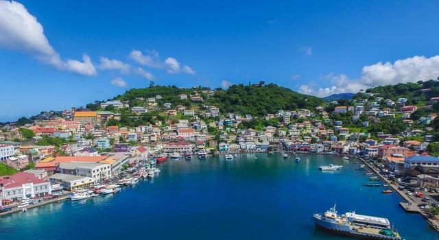 Grenada nằm ở phía Tây vùng biển Caribbean