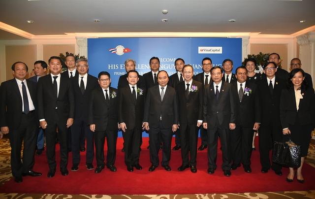 Thủ tướng Nguyễn Xuân Phúc và lãnh đạo các tập đoàn hàng đầu Thái Lan. Ảnh: VGP/Quang Hiếu
