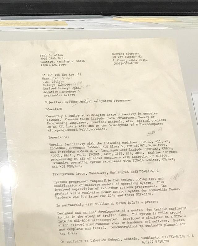 Và đây là CV của nhà đồng sáng lập Paul Allen.
