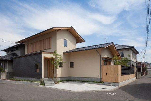Ngôi nhà nhỏ có vị trí và diện tích tuyệt đẹp nằm ngay ngã 4 đường thông thoáng.