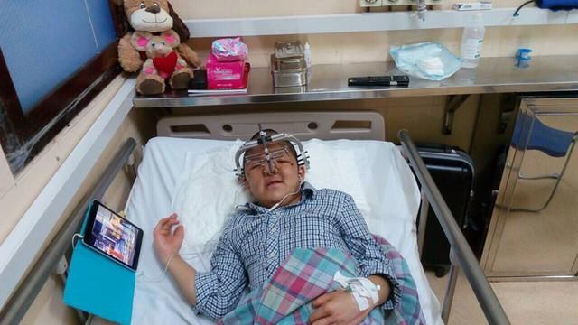 Bé Bôm sau cuộc đại phẫu. Ảnh: NVCC