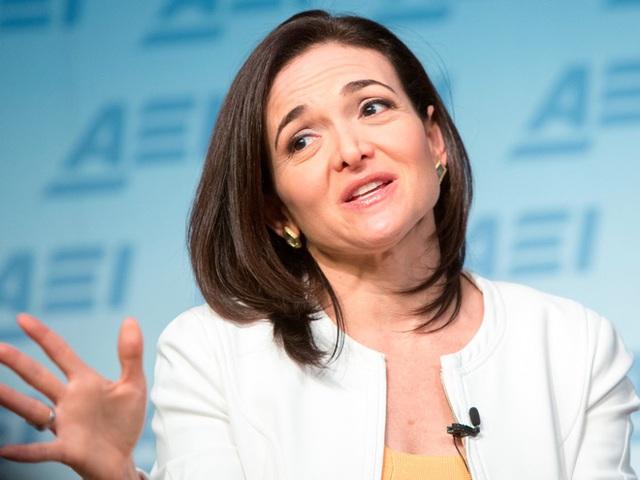 COO của Facebook, Sheryl Sandberg, người khởi xướng phúc lợi đông lạnh trứng cho nhân viên nữ