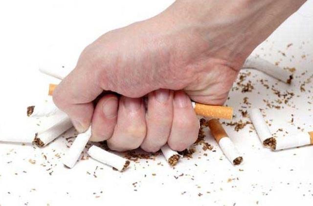 Bỏ thuốc là một trong những cách phòng ngừa ung thư (Ảnh minh họa)