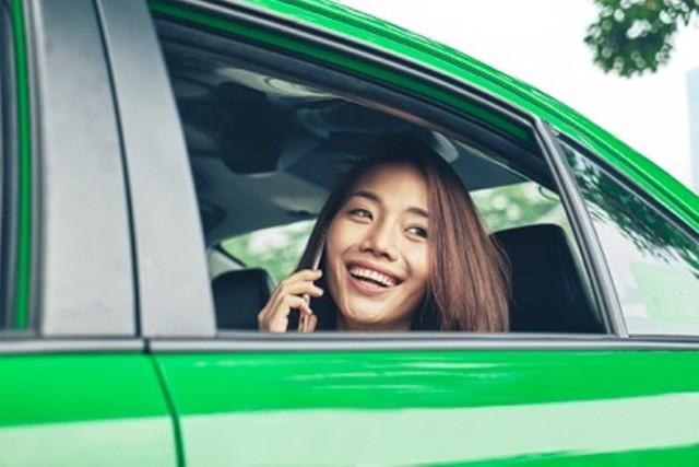 Hiệp hội Taxi Hà Nội đề nghị Uber, Grab chia sẻ các thông tin về số lượng xe. Ảnh: VIẾT LONG