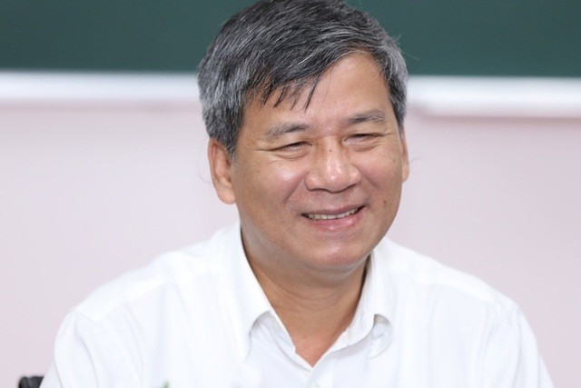 GS Trí dự định sẽ làm công việc nghiên cứu, thiện nguyện sau khi về hưu. Ảnh: Xuân Hoàng