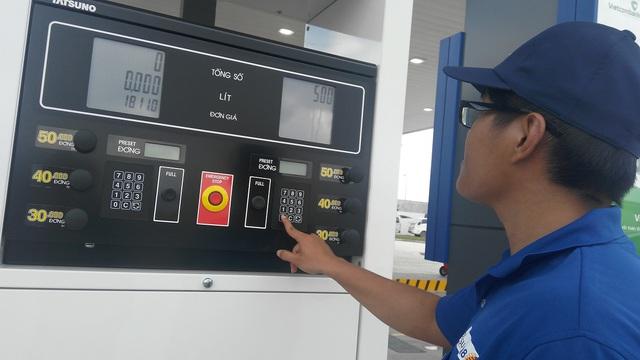 Sự có mặt của nhà đầu tư nước ngoài hứa hẹn thị trường xăng dầu cạnh tranh hơn.