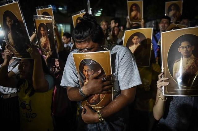 Sự ra đi của Quốc vương là một niềm đau cho toàn thể đất nước Thái Lan.