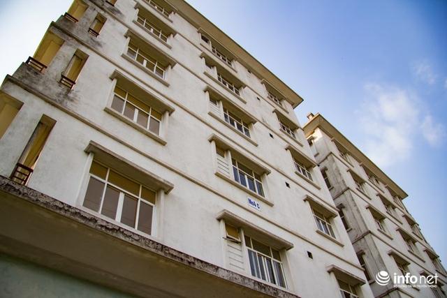 Tuy nhiên, do nhiều lí do xảy ra, phần lớn là do khiếu kiện nên người dân không nhận nhà dẫn đến toàn bộ quỹ nhà này đã bị bỏ hoang từ khi xây dựng đến nay  và dự án mở rộng đường phố Sài Đồng cũng nằm im bất động.