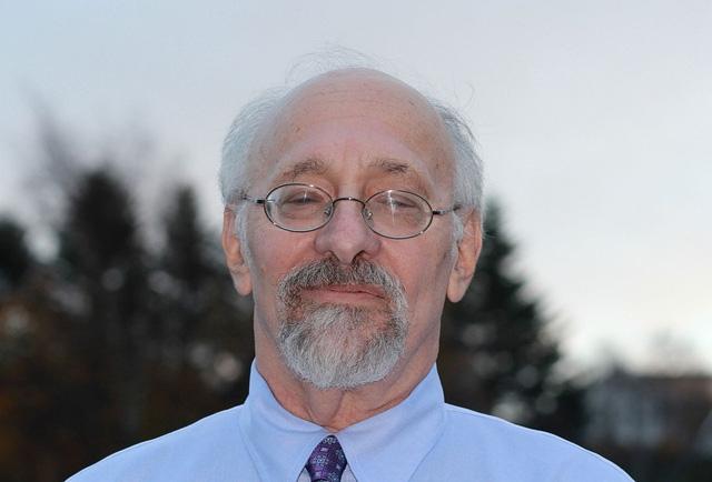 Giáo sư Allan Schore.