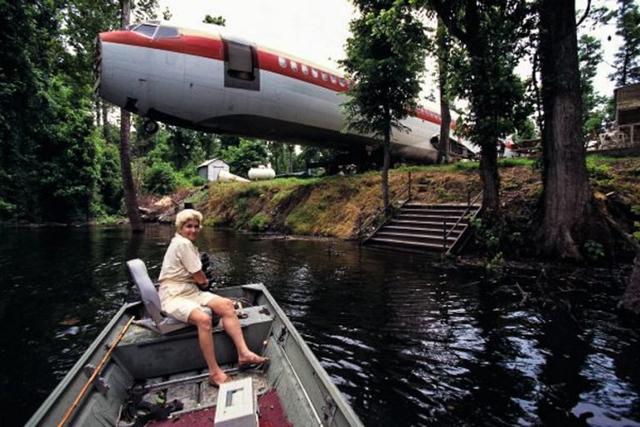 Bà Joanne đã khiến mọi người phải kinh ngạc với ý tưởng táo bạo biến chiếc máy bay cũ thành không gian sống lý tưởng.