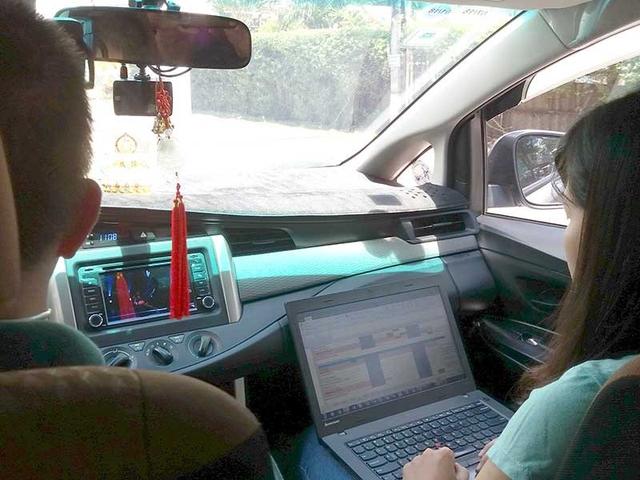 Nhiều DN như Grab, Uber… đã áp dụng hóa đơn điện tử với từng giao dịch nhỏ. Ảnh: HTD