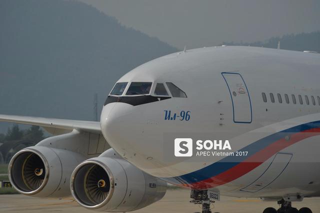Chuyên cơ IL-96-300PU đưa tổng thống Nga Putin tới Đà Nẵng dự APEC - Ảnh 3.