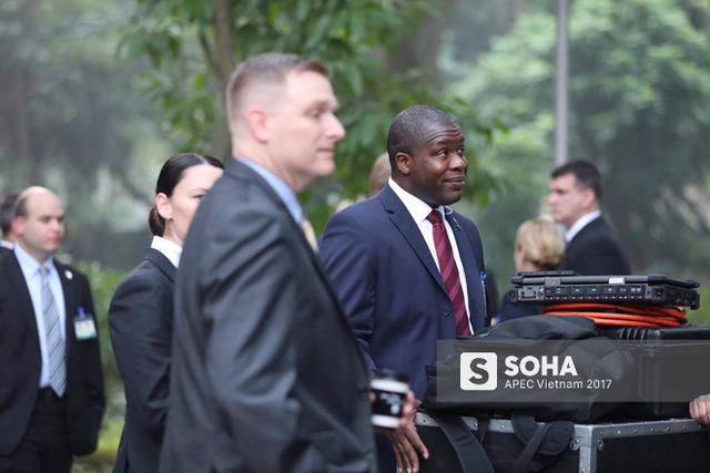 Lễ đón chính thức tổng thống Mỹ do Chủ tịch nước Trần Đại Quang chủ trì