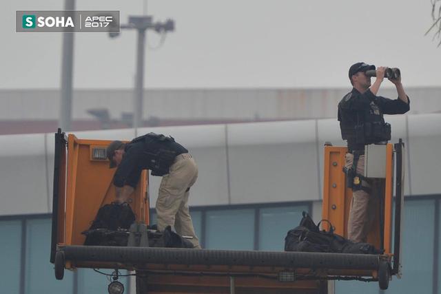 Mật vụ Mỹ kiểm soát toàn cảnh khu vực sân bay từ trên cao