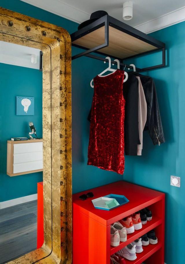 Tổ ấm nhỏ xinh đẹp với những gam màu duyên dáng, nổi bật ngay từ lối vào nhà mà không cần quá nhiều công sức và chi phí trang trí.