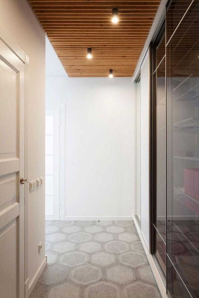 Với qui mô 43m2, căn hộ cao tầng nhỏ được kiến trúc có đầy đủ 1 vài khu vực tính năng gồm: 1 phòng khách, bếp, phòng ngủ riêng biệt và 1 khoảng không thư giãn tuyệt đẹp cạnh cửa sổ.