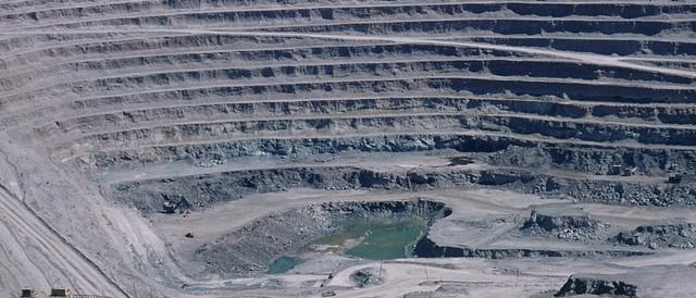 Chuquicamata (Chile) - mỏ khai thác đồng sâu thứ hai trên thế giới.